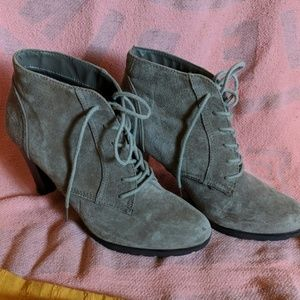 White Mtn Suede Boots